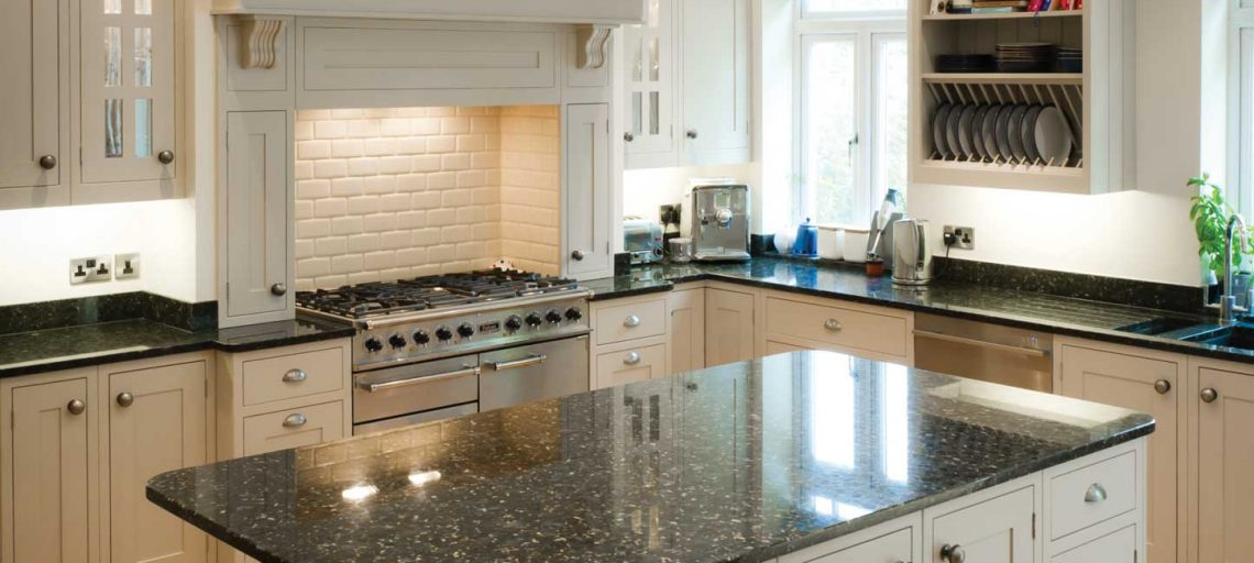 How to Create a Modern Feel in a Traditional Kitchen