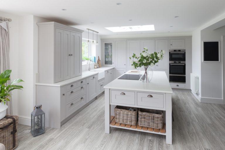 Grantham Kitchen in Pure Grey